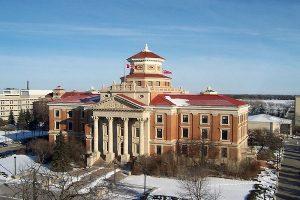 University of Manitoba (U of M): Rankings, Fees, Courses, Admission 2021,  Eligibility & Scholarships